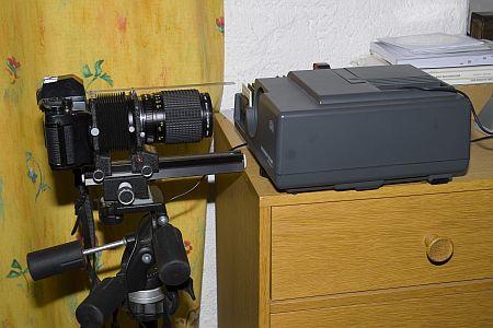 Versuchsaufbau mit Kamera und Balgengerät